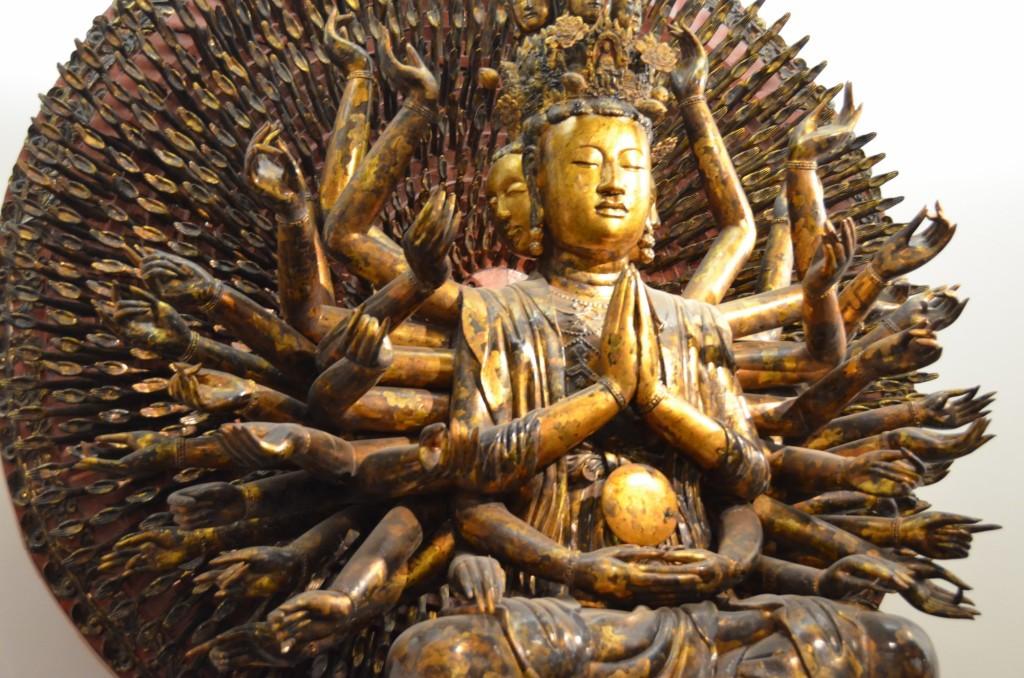 deusa hindu vários braços várias cabeças